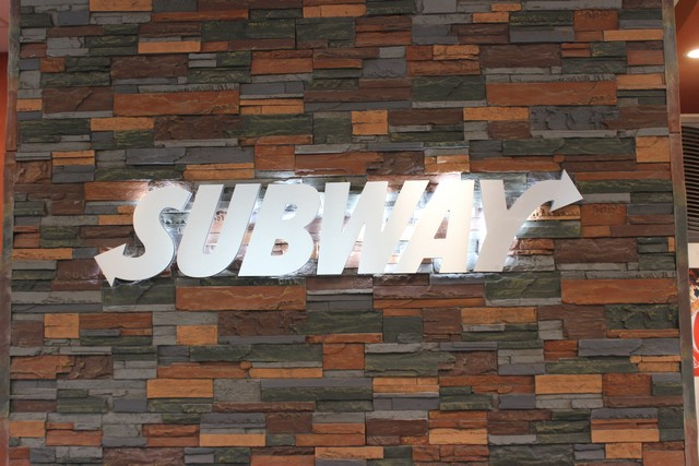 Subway Green River Rd.